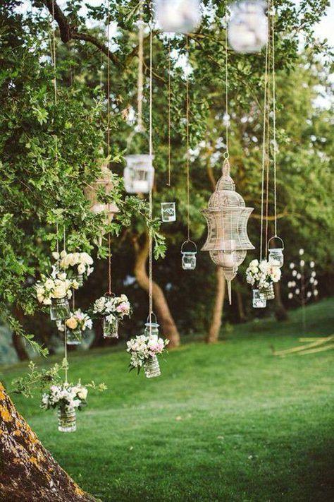 Une décoration champêtre avec des guirlandeshttps://www.pinterest.fr/pin/477381629245956927/