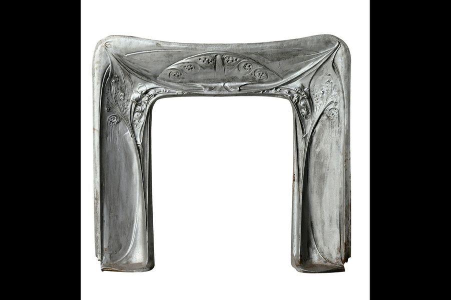 1906 Paris Signé Guimard: Le designer des célèbres bouches du métropolitain parisien a été le premier à éditer un catalogue de meubles d'intérieur.