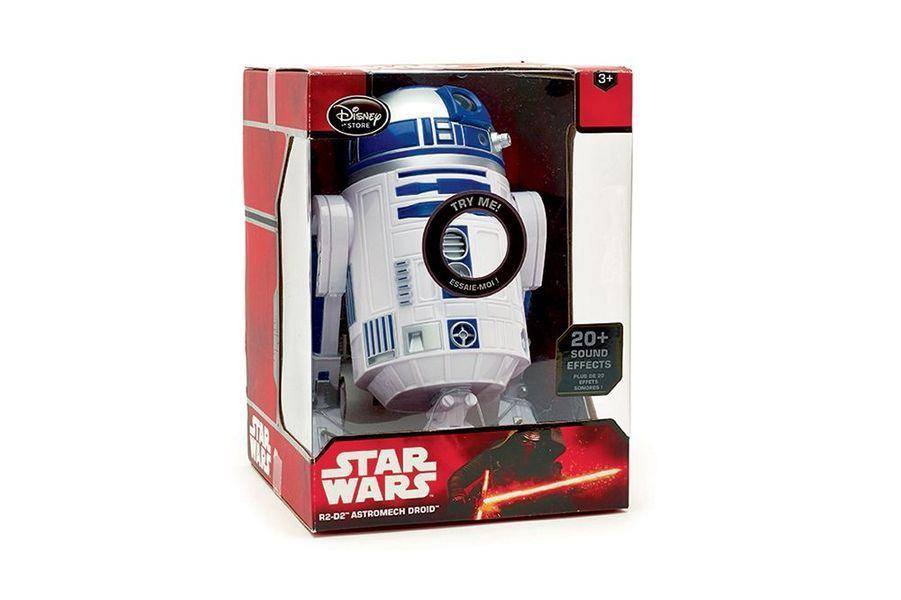 Plus classique, le craquant R2-D2 chez Disney Store. Il bipe, grince, pivote et roule (39,90 €).