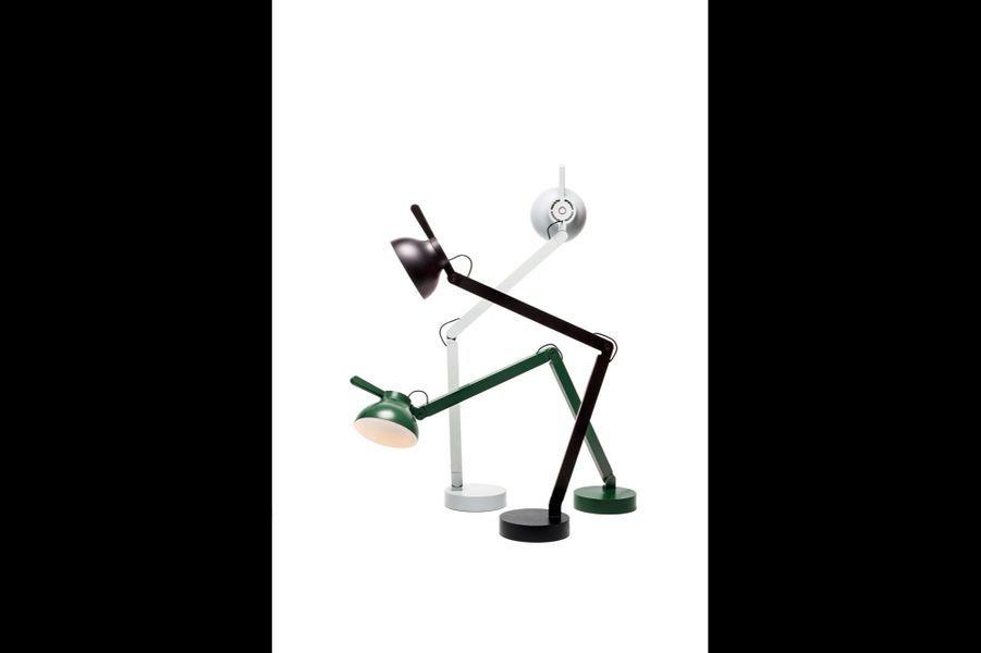 Sa dernière création, la lampe PC, chez Wrong London.