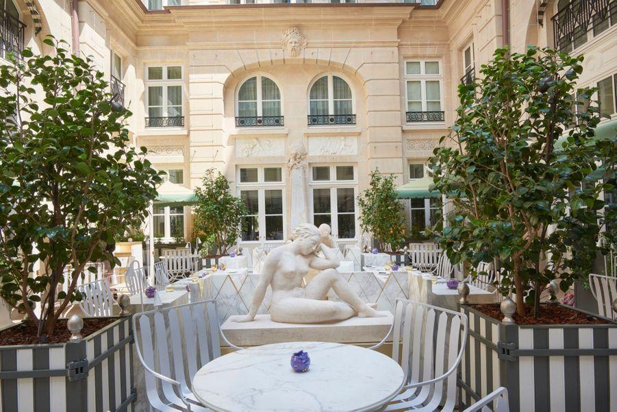 La Cour Gabriel, imaginée par Tristan Auer et végétalisée par Louis Benech, paysagiste du Jardin de Versailles.