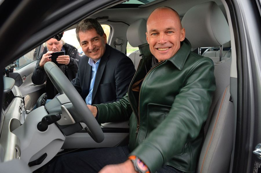 Bertrand Piccard a réussi a parcourir 778 kilomètres à bord d'une Hyundai Nexo à hydrogène, un record.