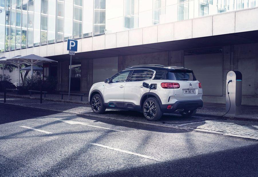 La Citroën C5 Aircross élargit son offre avec cette version hybride rechargeable.