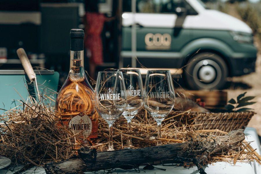 Fondée en 2015 et mue par la volonté de renouer avec la tradition, la Winerie parisienne exploite à présent 27 hectares de vigne près de Davron, dans les Yvelines