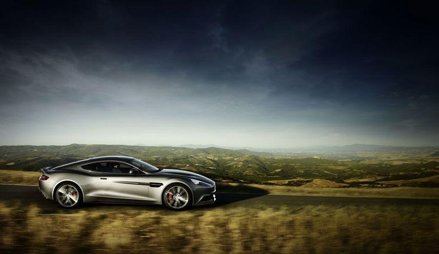 Si son moteur impressionne, Aston assure que la Vanquish est aussi parfaite à utiliser au quotidien.