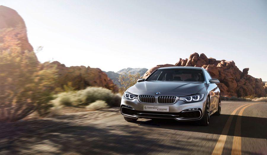 L'objectif est clair: chez BMW, la Série 4 sera à la Série 3 ce que l'A5 est à l'A4 chez Audi. Avec ce concept, le constructeur bavarois entend maintenir sa suprématie sur le segment du coupé et du cabriolet haut de gamme. Mais les concurrentes, qu'elles viennent de Mercedes ou du groupe Volkswagen, ont imposé à BMW de revoir à la hausse son niveau d'exigences. Proche de la Série 3, la Série 4 s'en démarquera un peu plus encore que la précédente génération.
