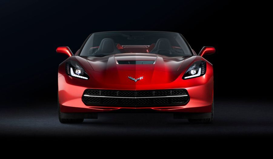 Dévoilée lors du salon de Genève, la version cabriolet de la Chevrolet Corvette reprend à son compte les promesses de la nouvelle génération du coupé mythique. Plus rigide et plus légère de 45 kg que le précédent cabriolet grâce au recours à une architecture en aluminium, la Corvette «Convertible» prétend en remontrer aux références européennes. Chevrolet assure même que le cabriolet n'est pratiquement pas alourdi par rapport au coupé, puisque très peu de renforts auraient été nécessaires.