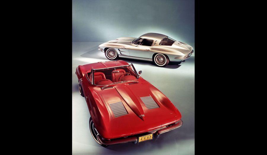 La deuxième de génération de Corvette, surnommée Sting Ray, propose un style beaucoup plus affirmé que sa grande soeur. Avec ses phares dissimulés et ses lignes tranchantes, elle marque son temps, avant d'être remplacée en 1968. En 1966, une première génération de la superlative 427 voit le jour. Elle doit son nom à sa cylindrée, 427 pouces cubes, soit 7.0 litres, pour 435 chevaux.