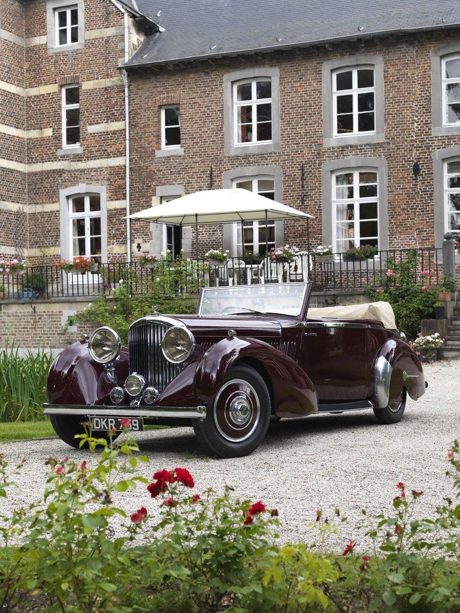 Une Bentley 4-1/4 cabriolet de 1937