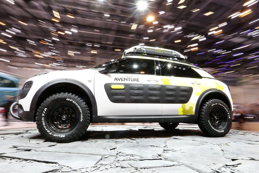 Le C4 Cactus, que nous vous dévoilions en images cette semaine, a déjà fait l'objet d'une expérimentation par Citroën, qui l'a transformé en véritable baroudeur dans cette version baptisée Aventure.