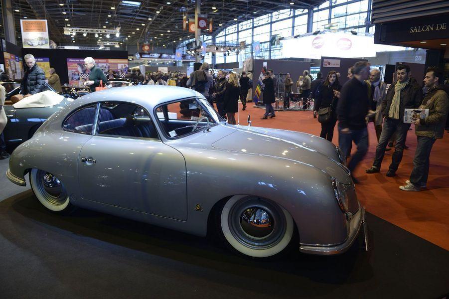 Cette resplendissante Porsche 356 Pré-A a été fabriquée en 1952.