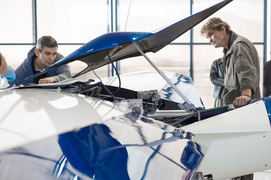 L'AeroMobil fait décoller le rêve de la voiture volante