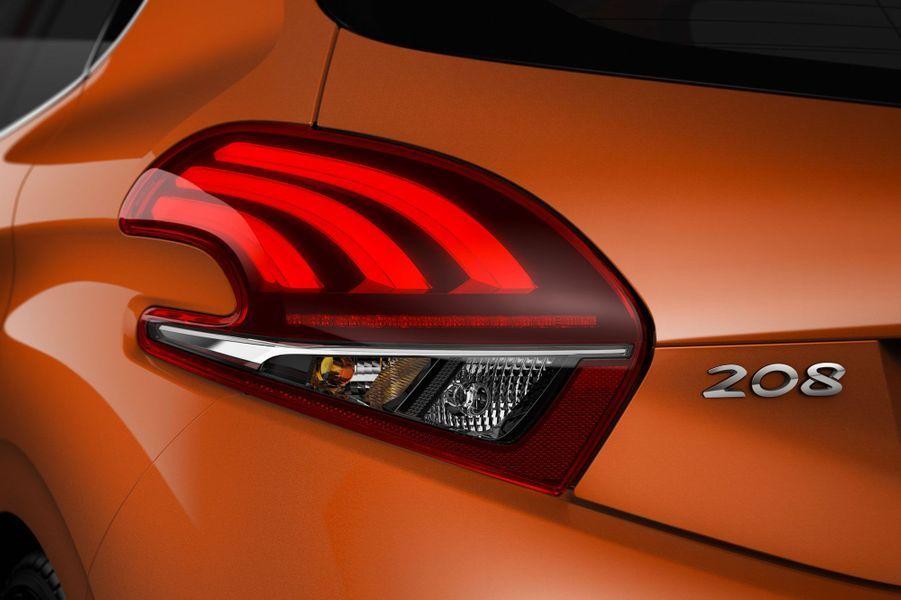 La Peugeot 208 évolue en douceur