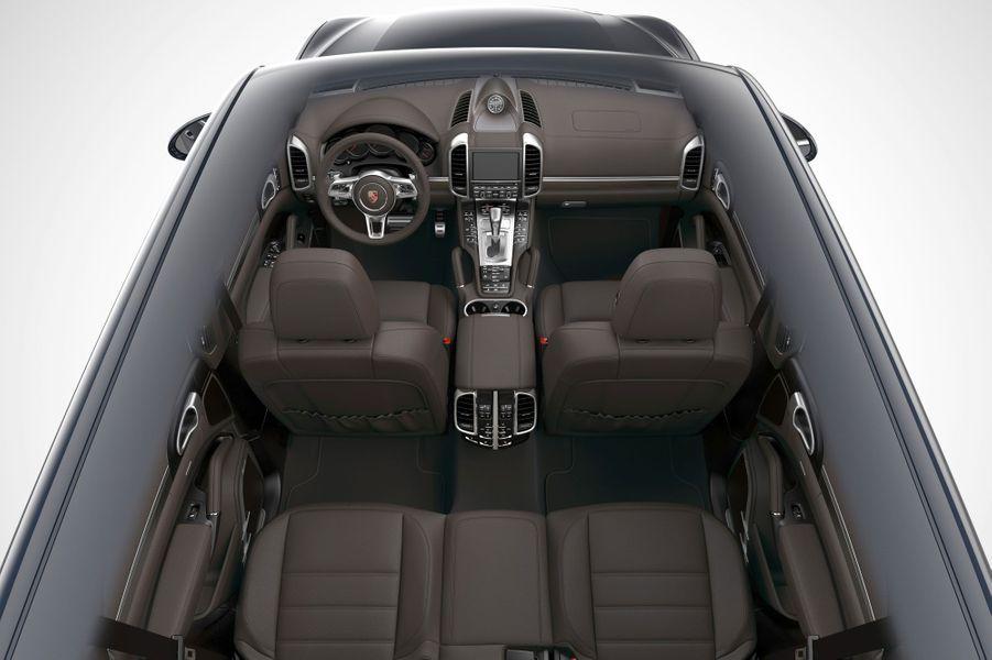 Porsche Cayenne S E-Hybrid : branché, mais propre sur lui