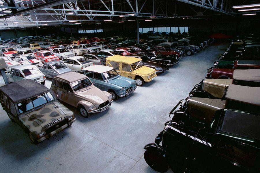 De la DS à la Méhari, aucun des modèles qui ont fait la légende Citroën n'est oublié.