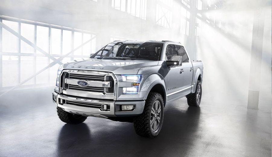 Ford a présenté à l'occasion du salon de Detroit un concept baptisé Atlas, censé représenter le futur du pick-up. Ce type de véhicules, réservé la plupart du temps en Europe à un usage utilitaire, reste toujours très prisé des conducteurs américains. Le F-150, dont l'Atlas Concept préfigure le successeur, est l'automobile la plus vendue aux Etats-Unis.