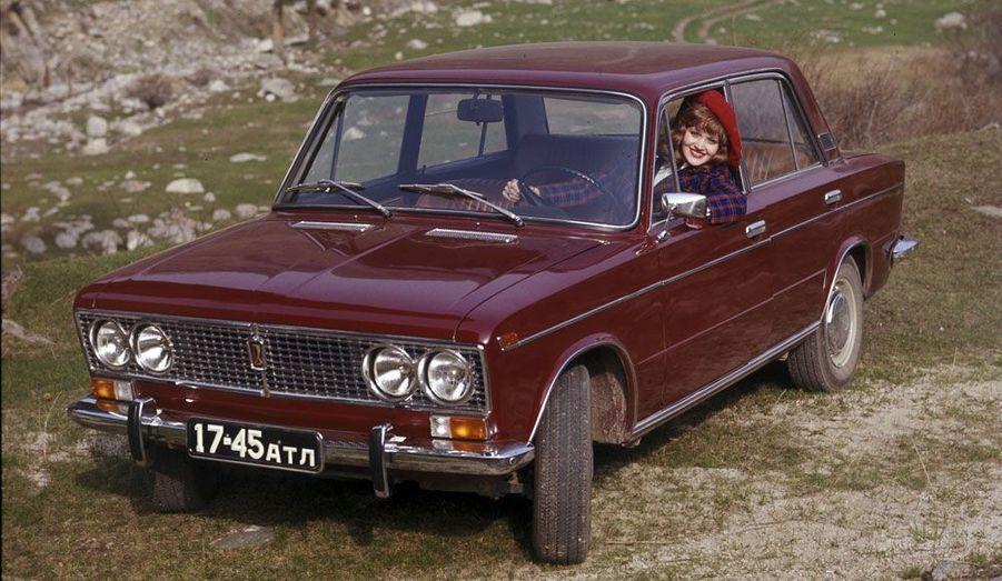 L'automobile soviétique a eu droit à des campagnes publicitaires fort proches de celles des voitures produites dans les pays «impérialistes».