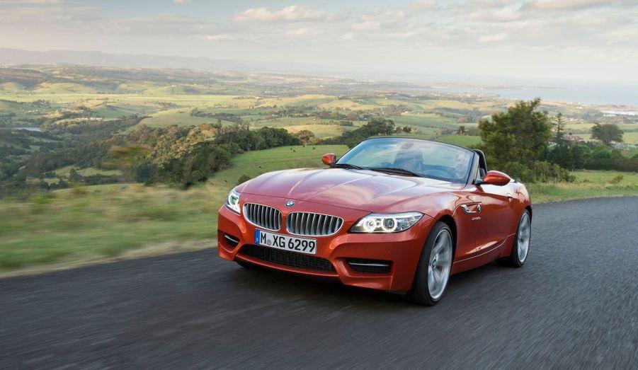 La version restylée du roadster du constructeur bavarois sera présentée au salon de Detroit. BMW dévoile déjà les images d'un Z4 qui n'évolue presque pas dans son dessin. Sous le capot en revanche, la firme à l'hélice promet des nouveautés.