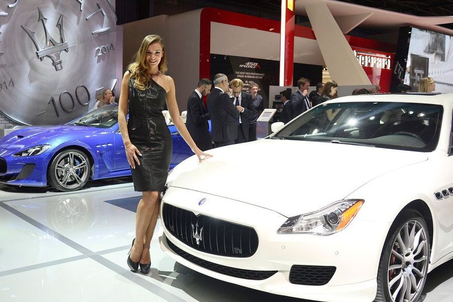 Les hôtesses au Mondial de l'automobile 2014