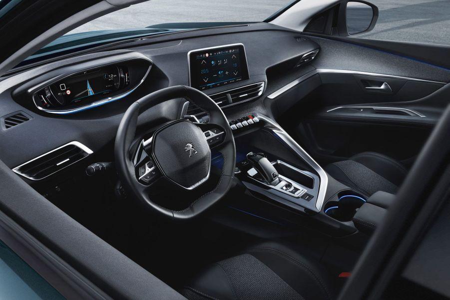"""Le 5008 profite lui aussi du """"iCockpit"""" de Peugeot"""
