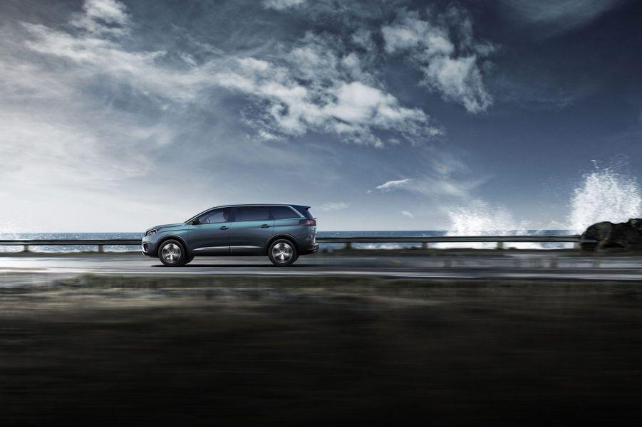 Le nouveau Peugeot 5008 accueillera sept personnes