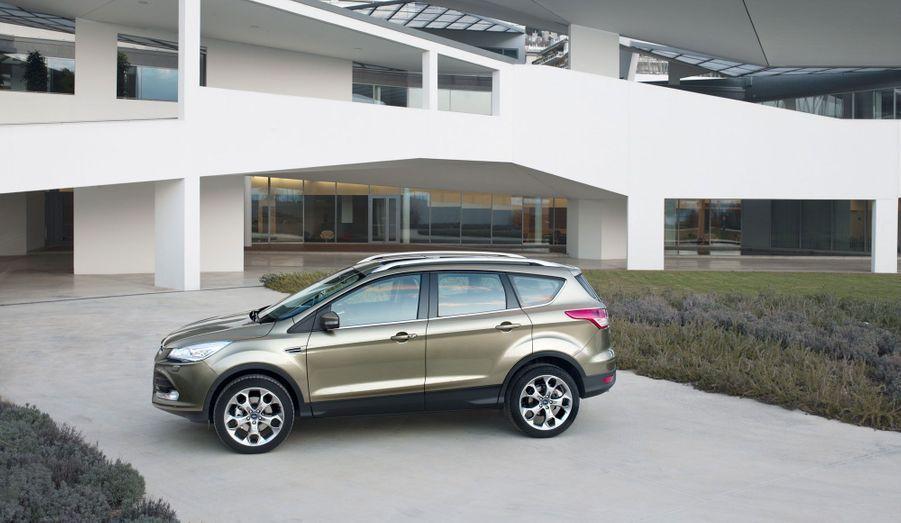 Ford affirme avoir conçu un système de transmission intégrale qui répartit le couple sur les quatre roues de manière optimale pour ne jamais nuire au comportement.