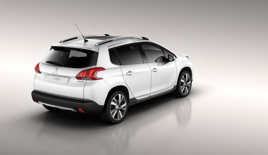 Les détails des tarifs et des motorisations n'ont pas encore été livrés par Peugeot. La marque promet cependant des moteurs diesel e-HDi et des trois-cylindres essence économes. Le 2008 arrivera très vite en concessions, dès le printemps.