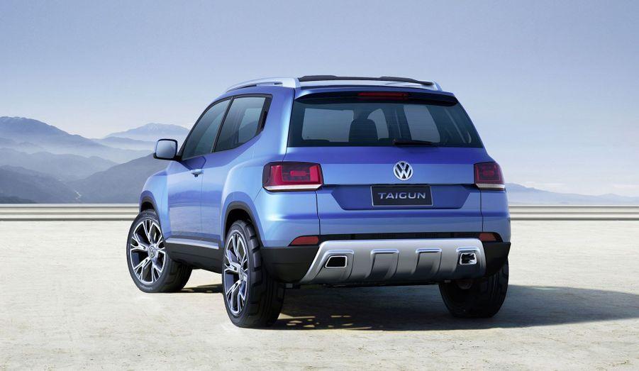 VW revendique la filiation esthétique du Taigun avec le Tiguan et le Touareg, mais ses lignes sont plus dures et affirmées encore.