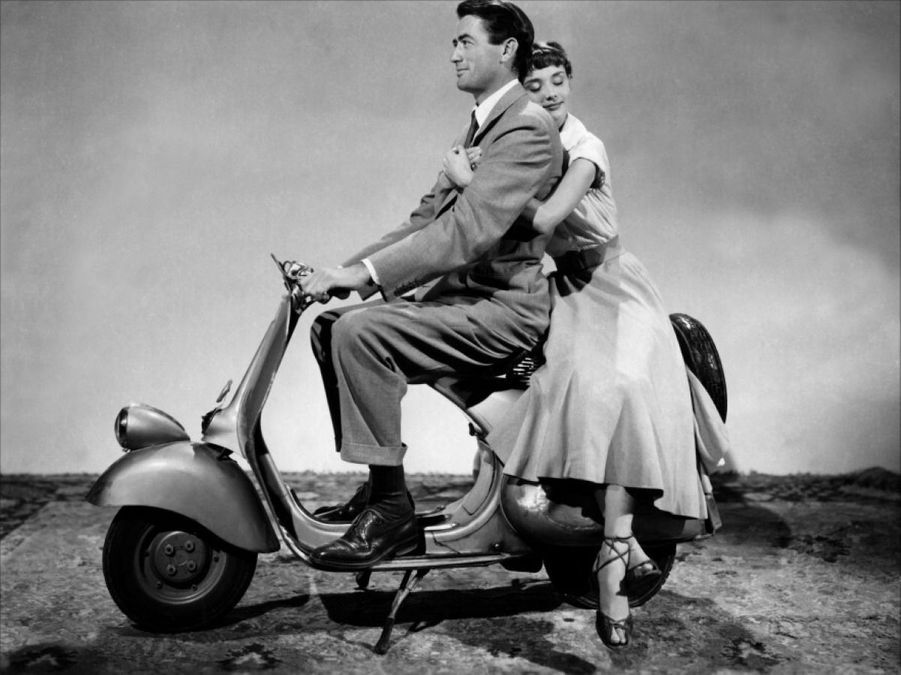 Audrey Hepburn et Gregory Peck dans « Vacances romaines », de William Wyler, en 1953.