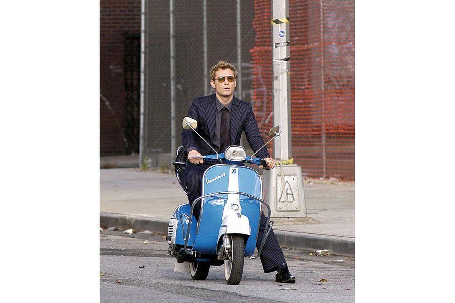 En 2003, Jude Law tourne « Irrésistible Alfie », de Charles Shyer.