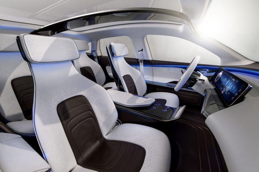 L'habitacle de la Mercedes Generation EQ
