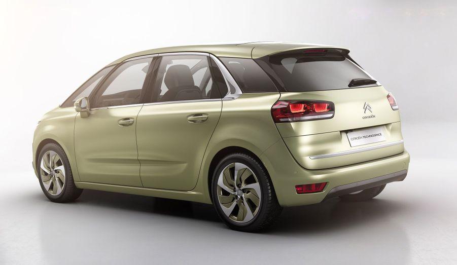Le futur C4 Picasso proposera une «interface de conduite 100% tactile», avec un grand écran panoramique de 12 pouces, selon Citroën.