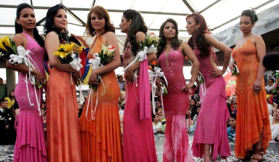 Des détenues de la prison d'El Buen Pastor à Bogota participent à un concours de beauté organisé par le centre pénitencier.