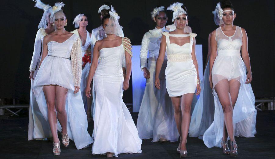 Les modèles ont défilés lors de la Fashion Week du Nicaragua, vêtues des créations de Veruska Herrera. L'événement a ouvert ses portes le 24 octobre.