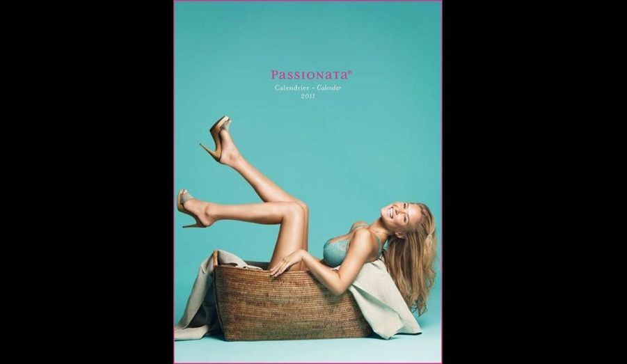 Bar Refaeli, héroïne du calendrier 2011 de la marque de lingerie Passionata.