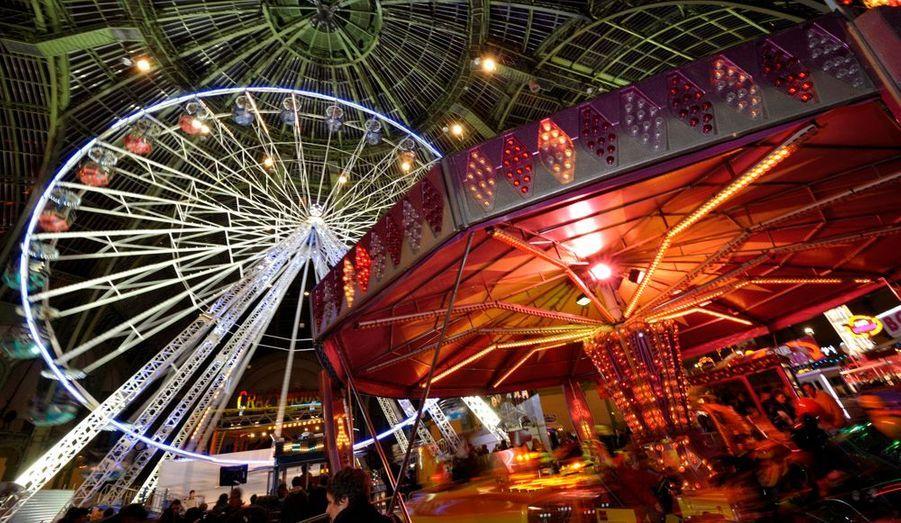 Pour la troisième année, une fête foraine s'est installée à partir de ce vendredi et jusqu'au 2 janvier sous la nef du Grand Palais, à Paris. Les organisateurs attendent 250 000 visiteurs à cet événement de fin année baptisé Jours de Fêtes.