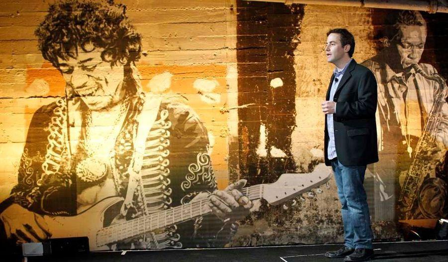 Le géant d'internet américain Google a dévoilé mercredi son magasin de musique en ligne censé rivaliser avec Apple et Amazon.com lors d'une présentation à la presse, à Los Angeles. Le nouveau service disponible via la plate-forme d'applications du groupe, Android Market, proposera des millions de morceaux des labels EMI, Sony Music et Universal mais pas de Warner Group, la quatrième des cinq majors de l'industrie musicale.
