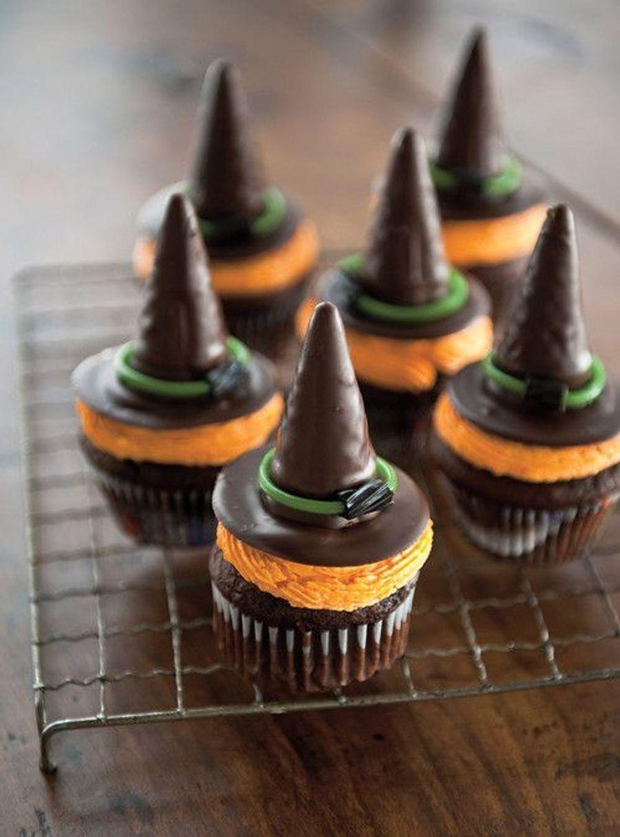 Cupcakes chapeau de sorcièrehttps://www.pinterest.fr/pin/411938697158420319/