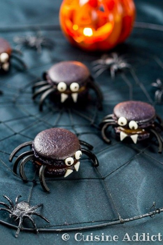 Macaron araignéehttps://www.pinterest.fr/pin/411938697158420324/