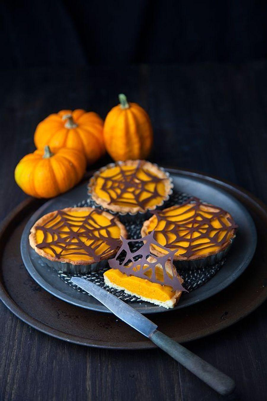 Mini pumpkin pieshttps://www.pinterest.fr/pin/411938697158400197/