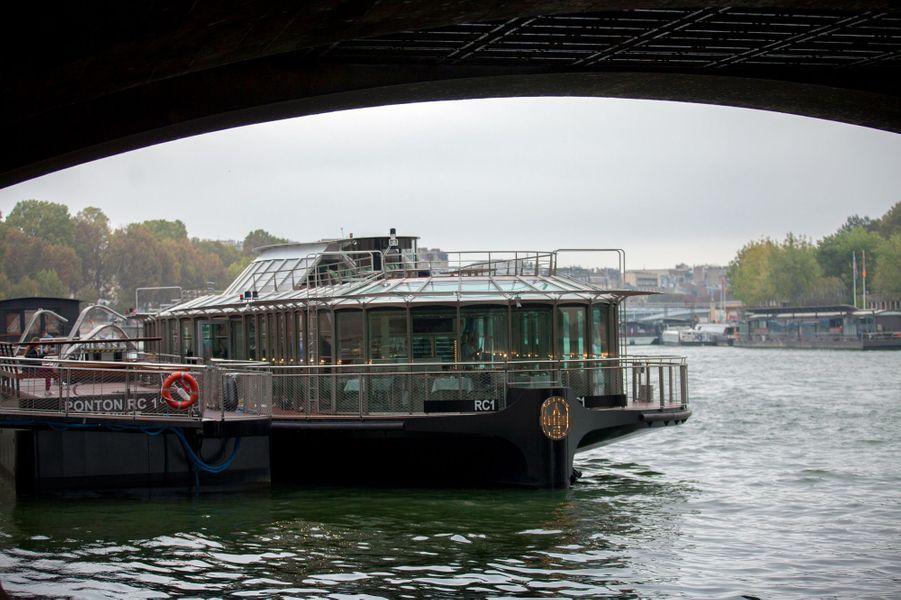 « La navigation sera comme un travelling dans Paris », promet l'architecte naval Gérard Ronzatti qui a dessiné ce bijou.