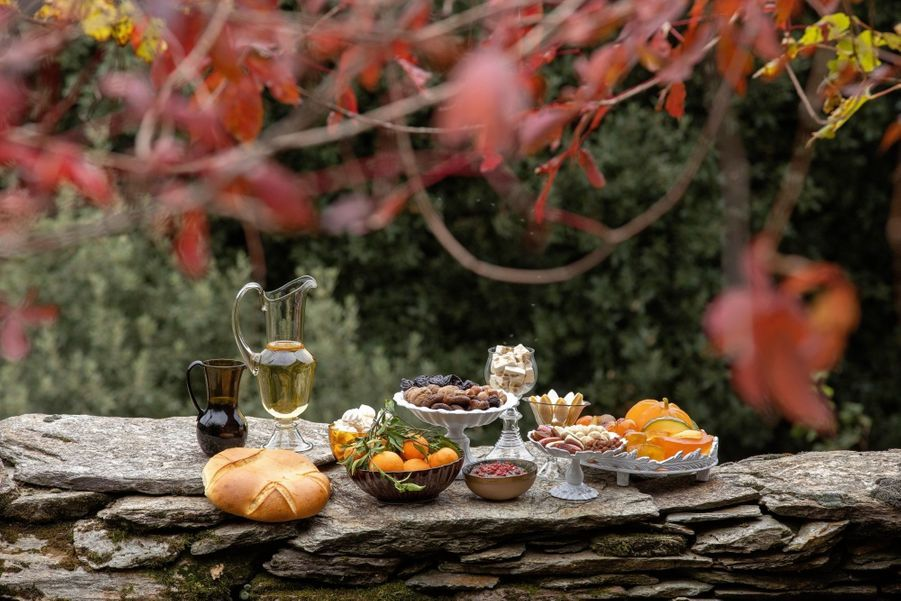Les treize desserts, une tradition provençale, de frère Jean, avec les délicieux fruits confits du Luberon de la famille Rastouil.
