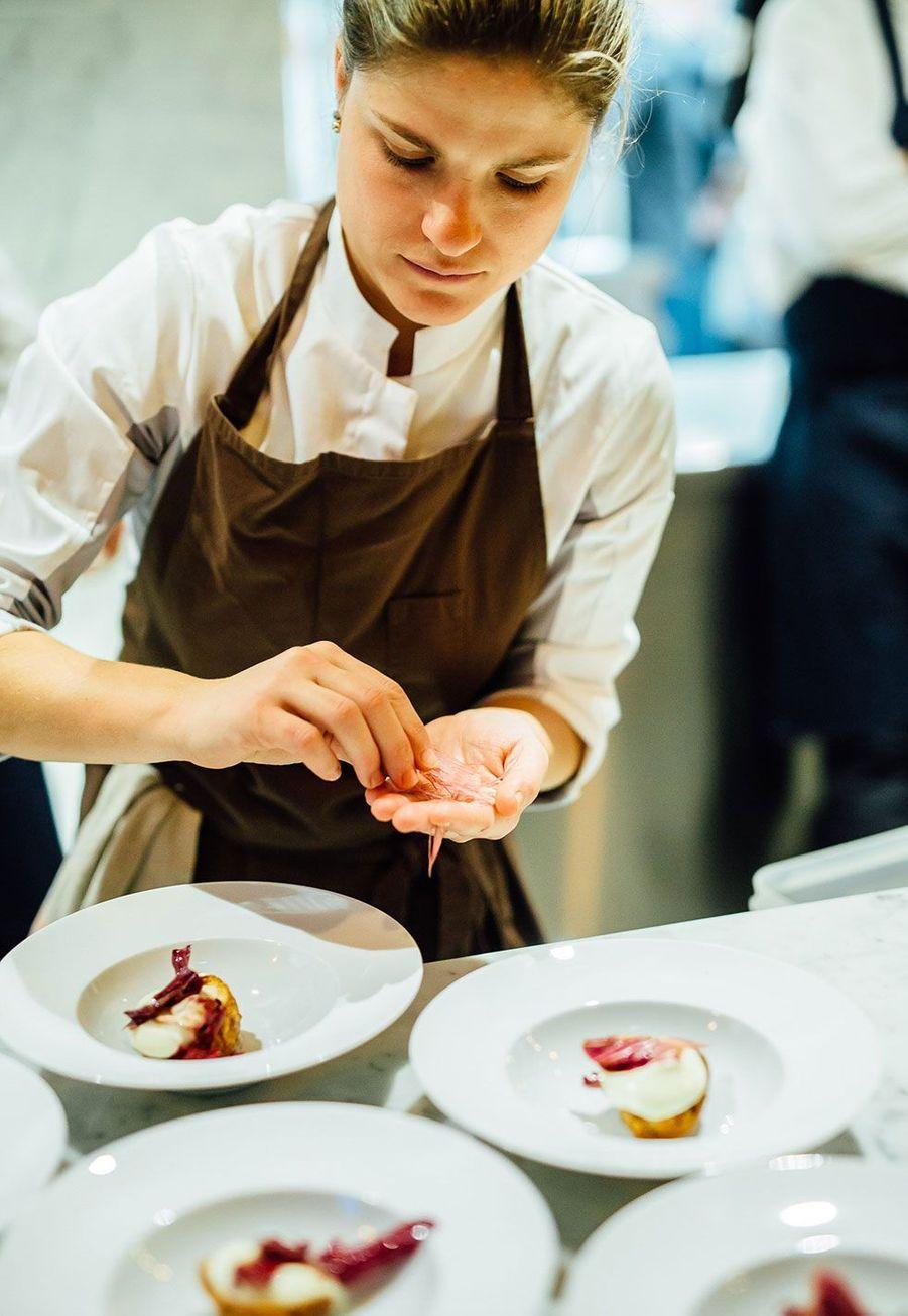 Les chefs Jean Sulpice, Patrick Chevalot, Christophe Aribert, Emmanuel Renaut, Benoît Vidal et Edouard Loubet ont préparé chacun un plat pour 170 invités.