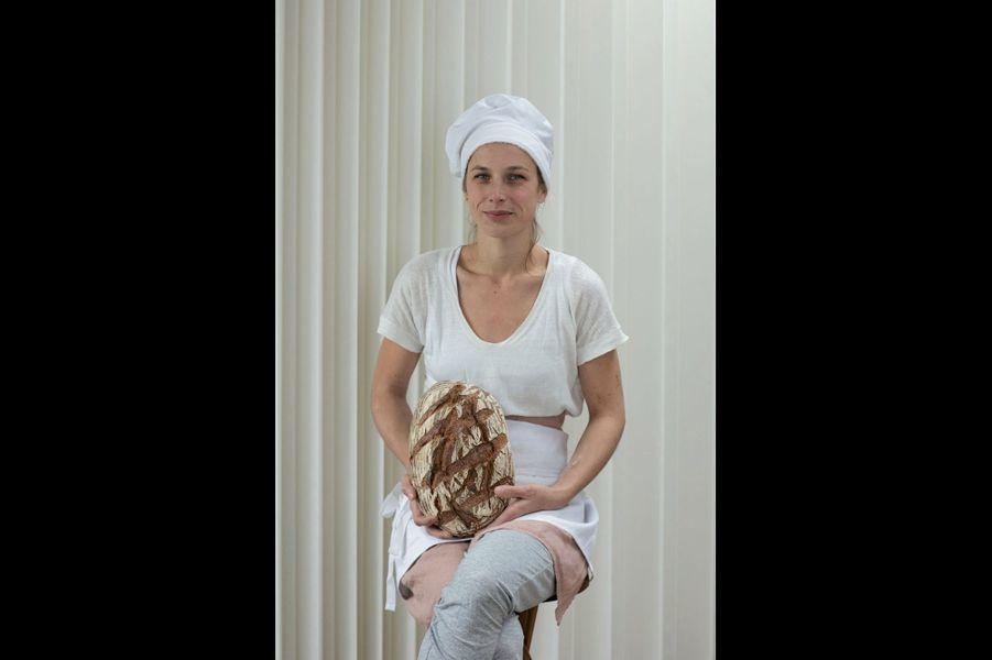 « Mademoiselle B » aime les pains au levain beaux et généreux, avec de la croûte !