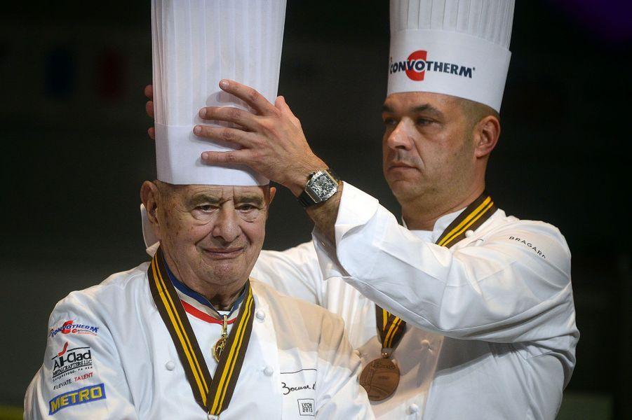Le chef Paul Bocuse et son fils Jérôme lors de la remise du Bocuse d'Or, en janvier 2013.