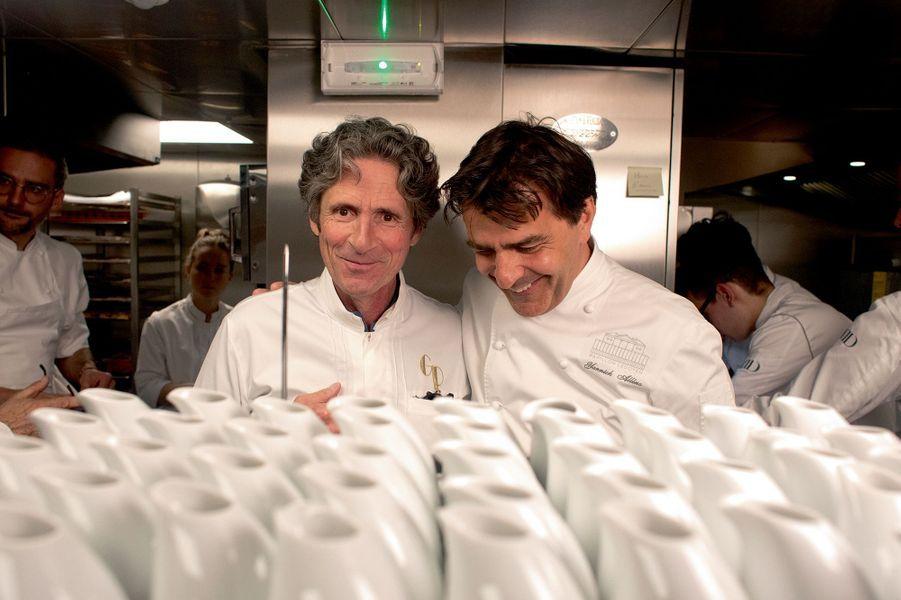 Gérald Passedat et Yannick Alléno complices dans la bonne humeur.
