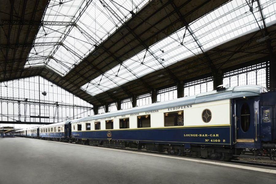 Le train mythique Orient-Express se transforme en restaurant pour deux mois