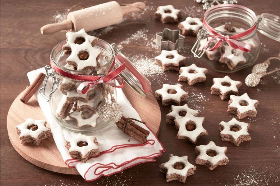 Biscuits étoilés à la cannelle et au Nutella