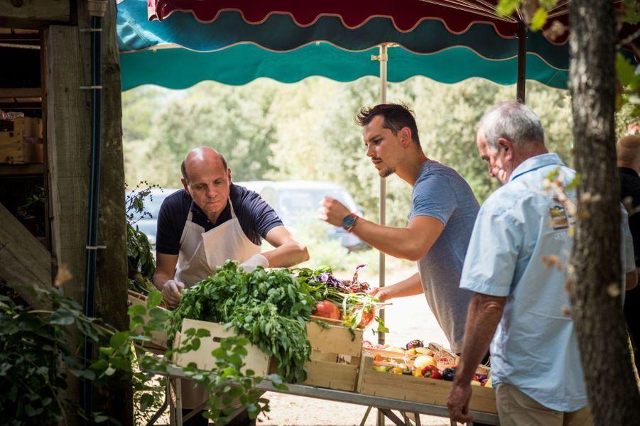 Eric Briffard (directeur des Arts Culinaires de l'école Le Cordon Bleu) et Juan Arbelaez (Nubé, Plantxa, Yaya) chez Bruno Cayron.