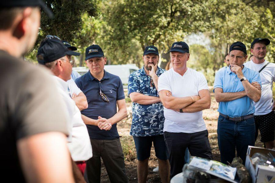 Les chefs visitent une exploitation de Muscat du Mont Ventoux.